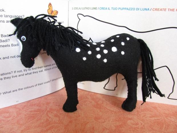 Luna-puppet